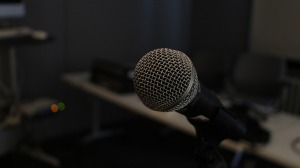 microphone-354070_960_720