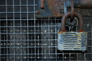 800px-rusty_padlock