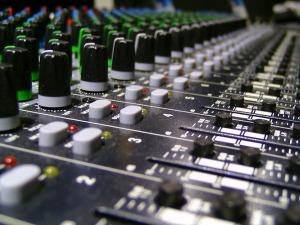 audio-1652404_960_720