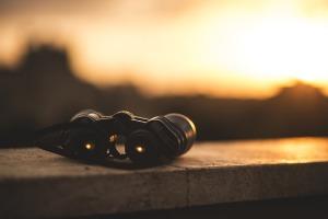 binoculars-1209892_960_720