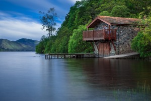 boat-house-192990_960_720